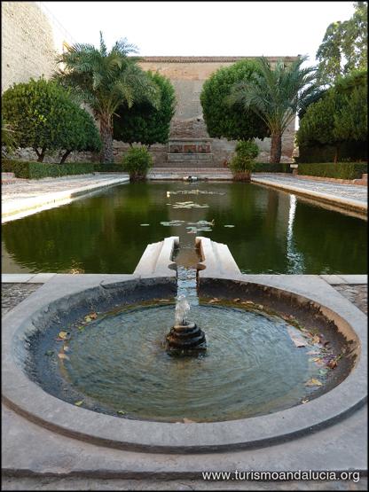 Fuente-en-la-Alcazaba-de-Almeria
