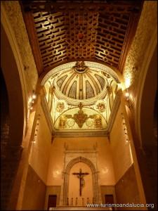 Interior-de-la-Iglesia-de-Sta-Maria-de-los-Alcazares