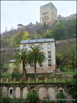 La Alhambra desde el Paseo de los Tristes Granada