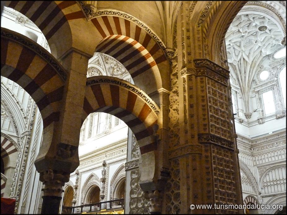 Contraste Árabe Cristiano en la Mezquita de Córdoba